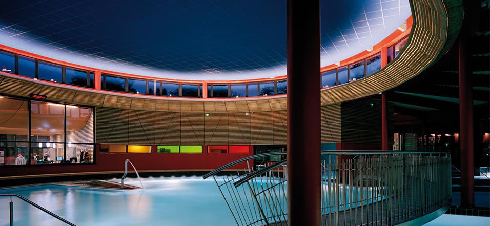 Centre thermoludique, Montrond-les-Bains - Architecte : Chabanne & Partenaires - Photo : Renaud Araud