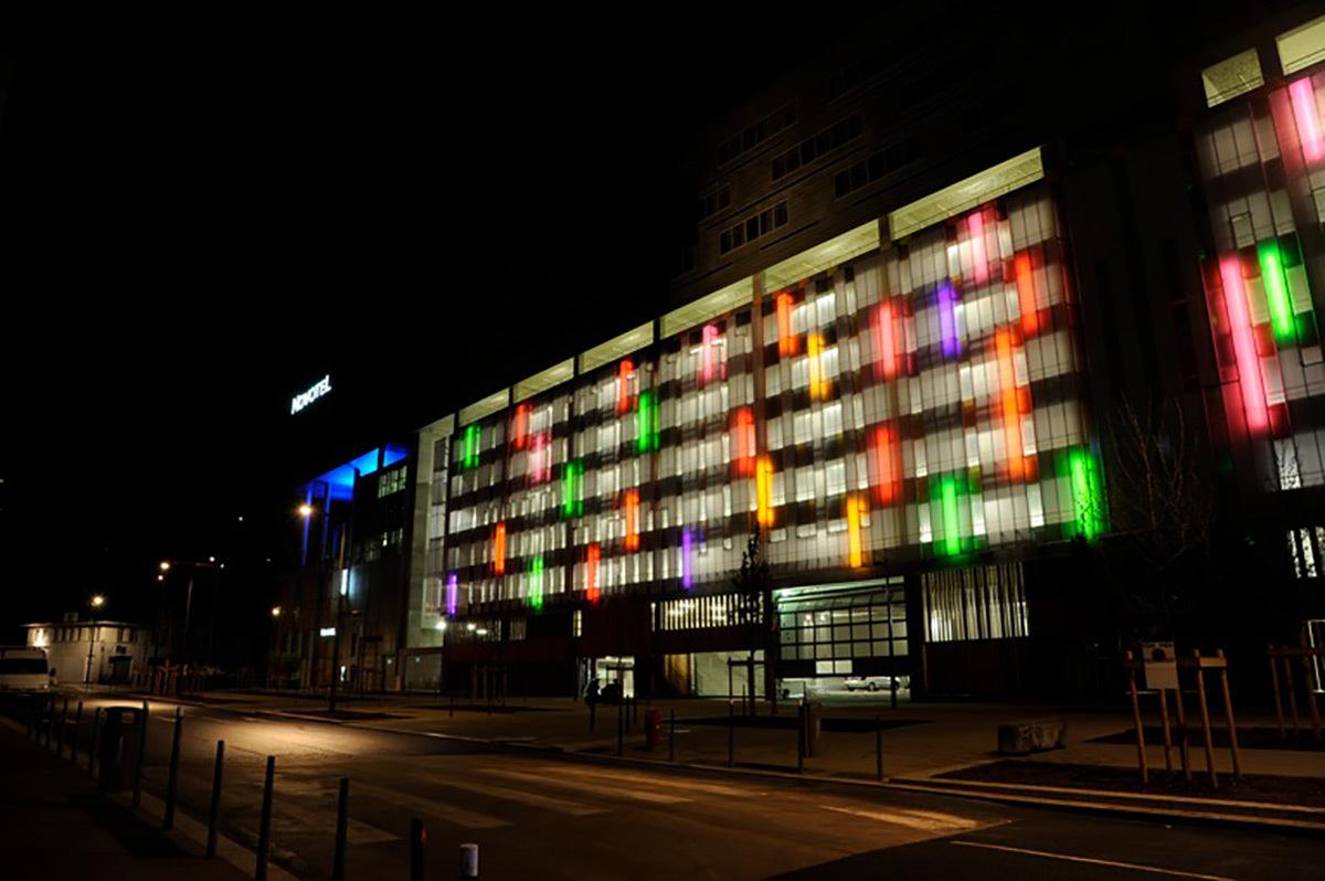 Pôle Confluence, Lyon, France - Architecte : Jean Paul Viguier Conception lumière : Alexis Coussement, ACL, Charles Vicarini - Photo : Alexis Coussement