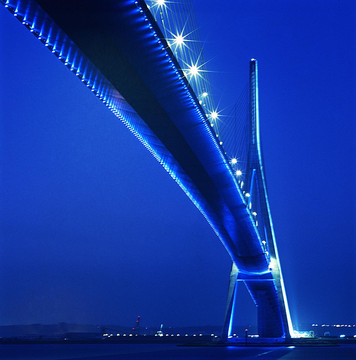 entre 2 pont de normandie le havre honfleur light zoom lumi re le portail de la lumi re et. Black Bedroom Furniture Sets. Home Design Ideas