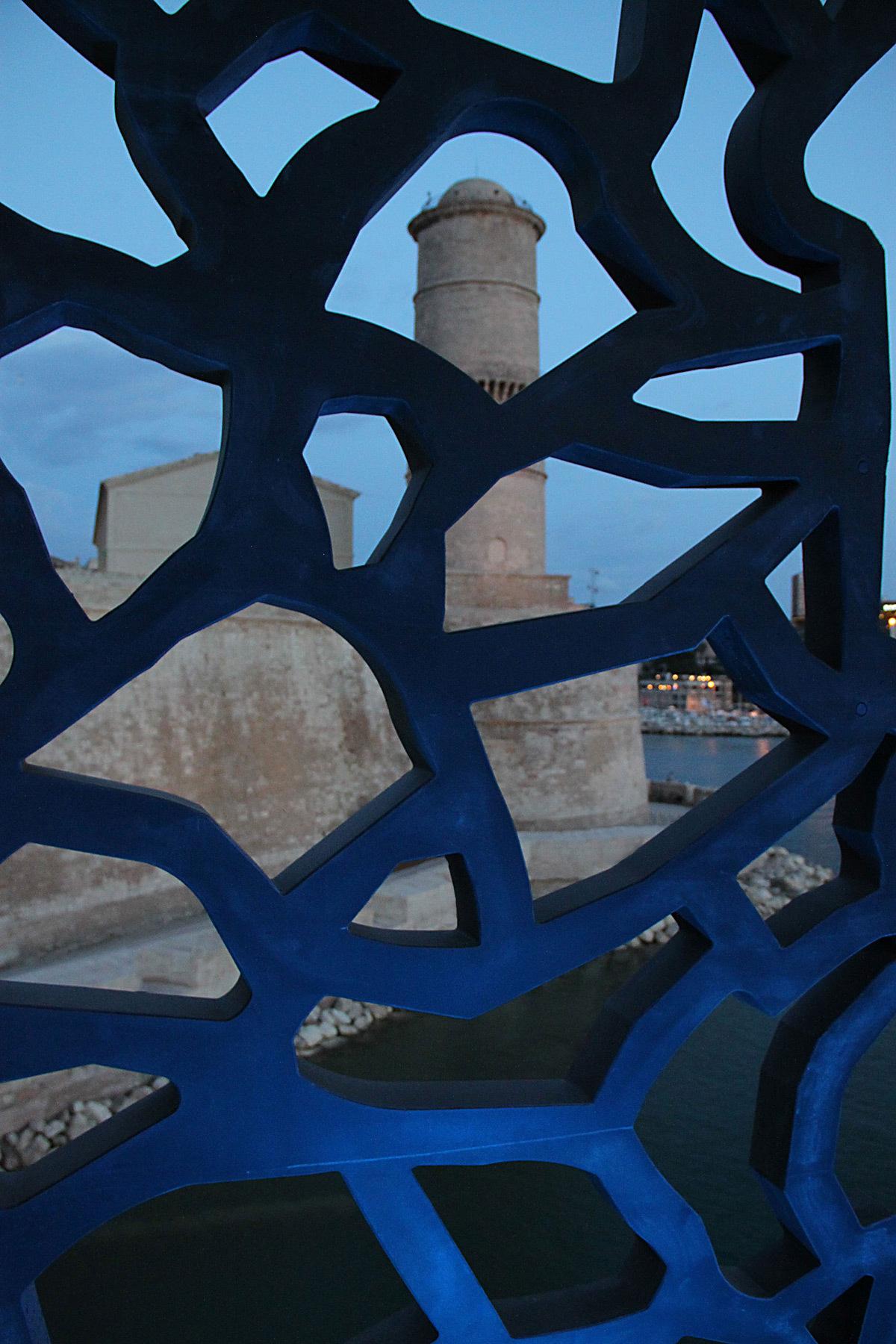 Détail de la dentelle de béton depuis l'intérieur - Mer-Veille, MuCEM, Marseille, France © Yann Kersalé, AIK - Photo : Vincent Laganier