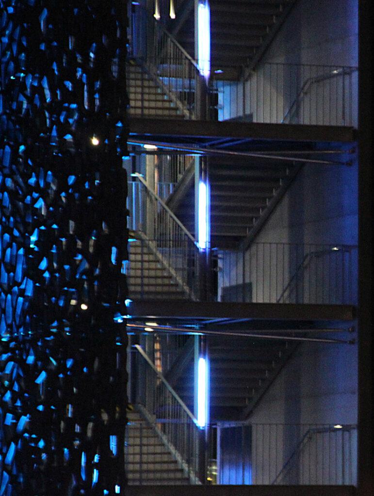 Détail des escaliers - Mer-Veille, MuCEM, Marseille, France © Yann Kersalé, AIK - Photo : Vincent Laganier