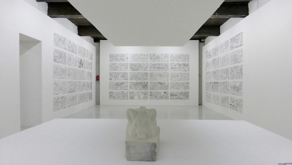 Guillaume Pinard, La Première pierre, 2015 et Marcus, 2015 - Un trou dans le décor - Le Quartier, Quimper, France - Photo Vincent Laganier