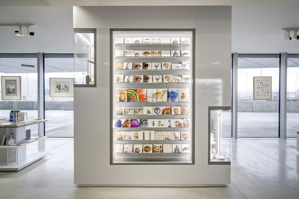 prix versailles architecture commerciale 2015 boutique rmn mus e des confluences lyon. Black Bedroom Furniture Sets. Home Design Ideas