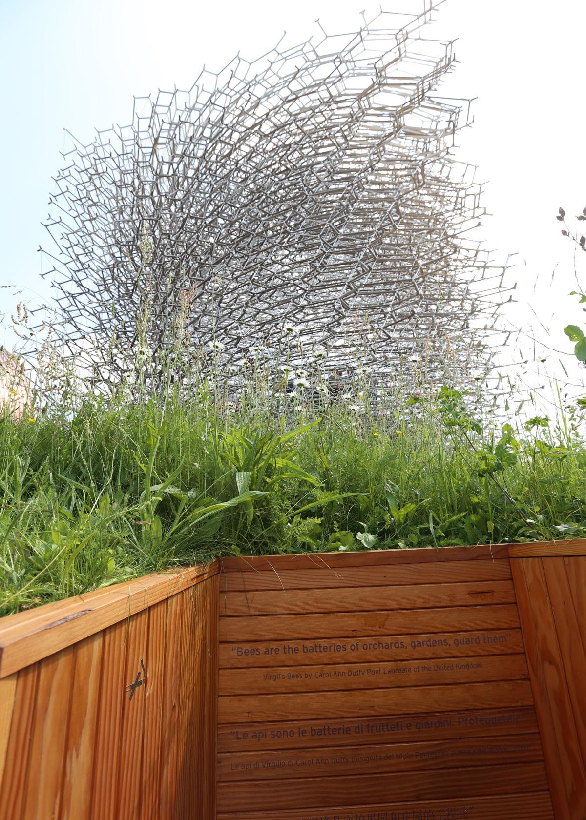 Expo 2015, UK Pavilion, Milan, Italy - Volume et transparence - La ruche - Architects BDP - Artist Wolfgang Buttress - Photo Jean-Yves Soetinck