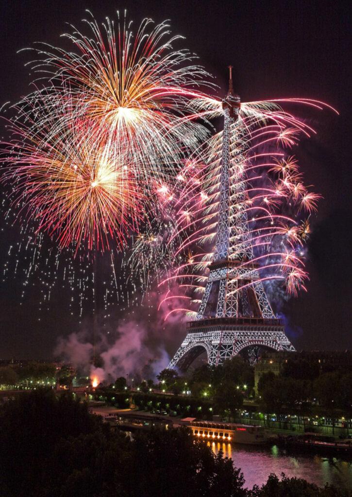 14 juillet 2014 - Tour Eiffel, feu d'artifice - Photo : Maire de Paris