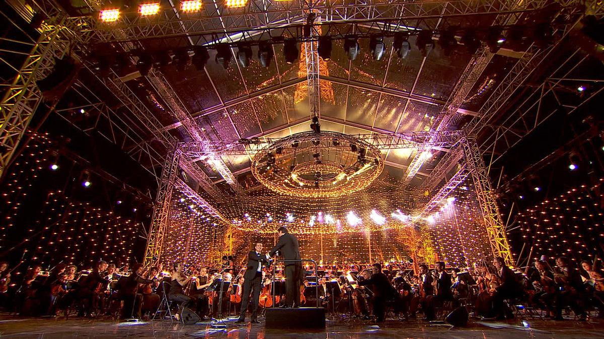 Concert de Paris ,14 juillet 2014 - Tour Eiffel, lustre halogène - Photo : Osram