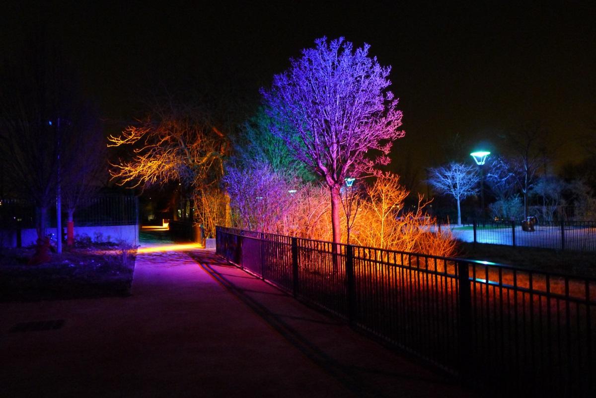 Parc de Gerland, Lyon - Jardins chromatiques - Conception lumière et photo : LEA