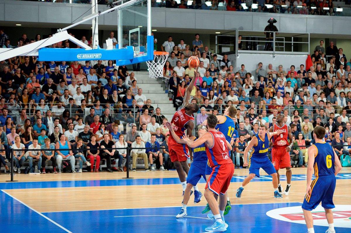 Match de basket France Ukraine avec Tony Parker - inauguration 14 aout 2015 - Salle sportive métropolitaine, Rezé, France - Photo Nantes Métropole