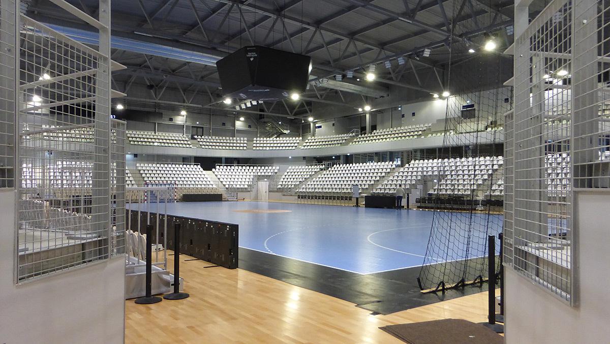 Configuration handball avec tapis - Salle sportive métropolitaine de Nantes Métropole, Rezé, France - Architectes Chaix & Morel et Associés - Photo Vincent Laganier