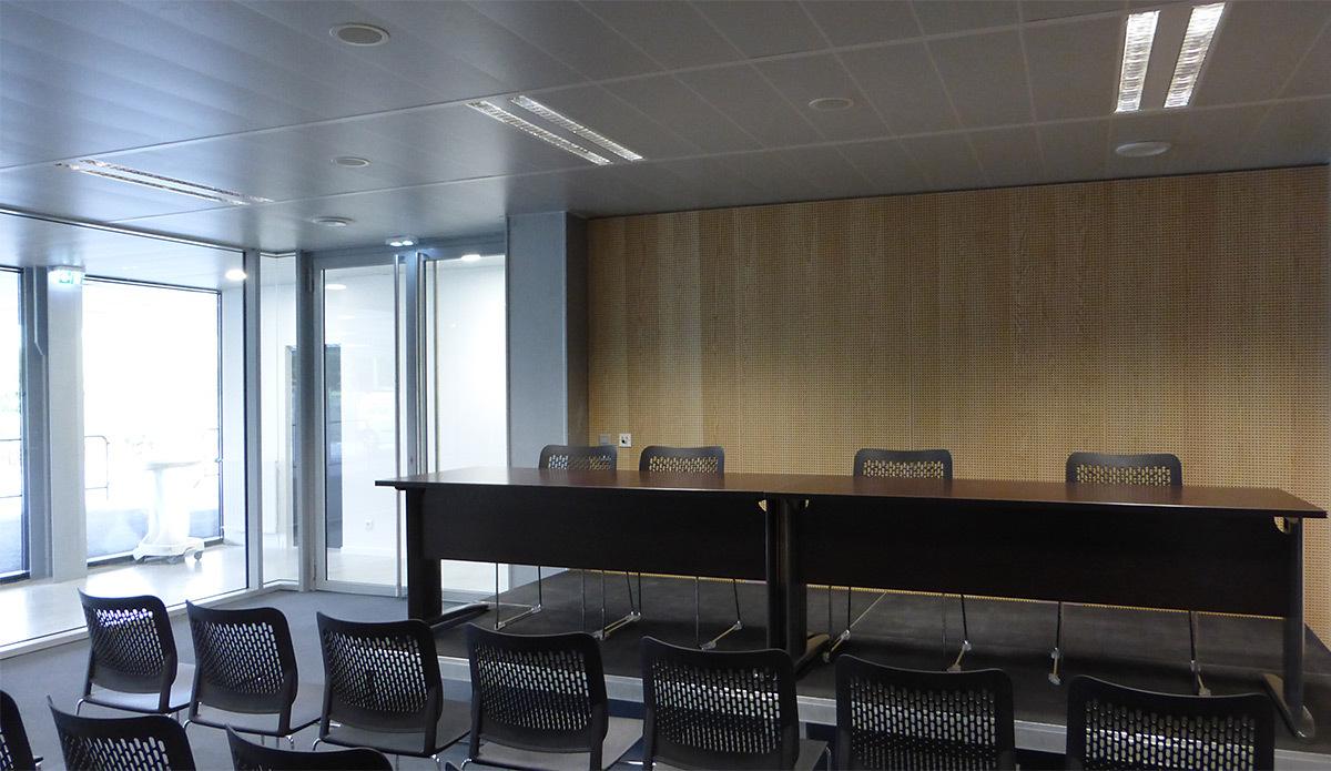 Espace Presse - Salle sportive métropolitaine de Nantes Métropole, Rezé, France - Architectes Chaix & Morel et Associés - Photo Vincent Laganier