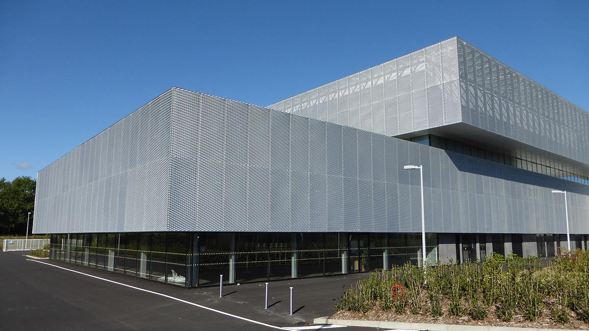 Façade arrière - Salle sportive métropolitaine de Nantes Métropole, Rezé, France - Architectes Chaix & Morel et Associés - Photo Vincent Laganier