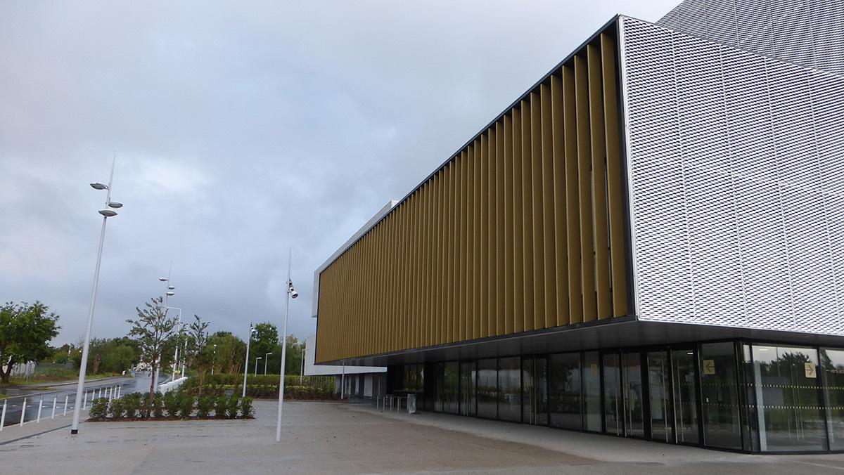 Deux typologies d'éclairage - Salle sportive métropolitaine de Nantes Métropole, Rezé, France - Architectes Chaix & Morel et Associés - Photo Vincent Laganier