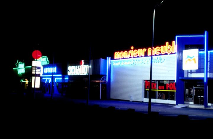Eclairage publicitaire light zoom lumi re le portail - Zone commerciale amiens nord ...