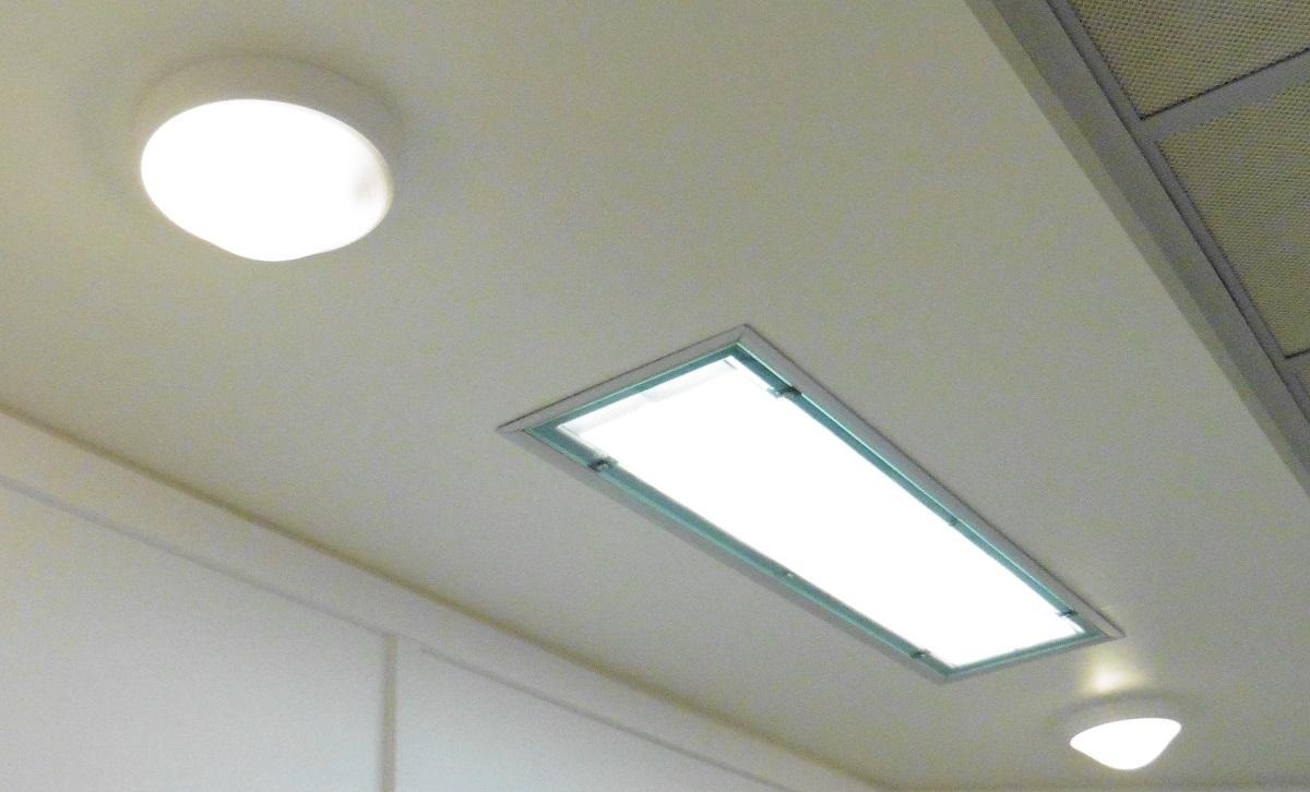 pratiques de la lumi re en bloc op ratoire du dr bourdillon light zoom lumi re le portail de. Black Bedroom Furniture Sets. Home Design Ideas