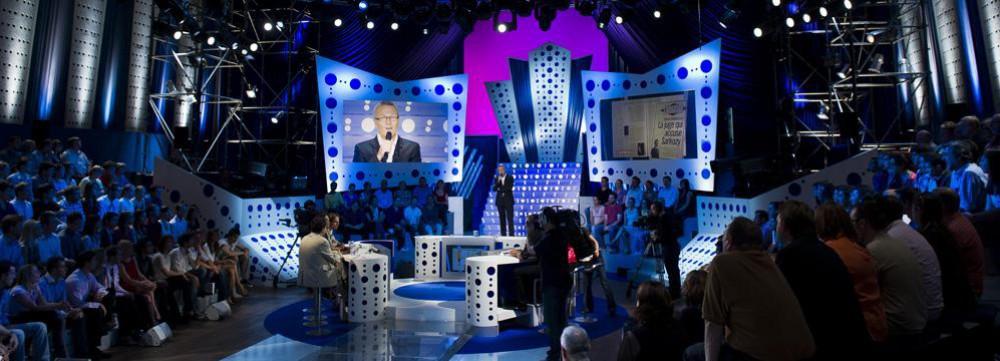 On n'est pas couché - Eclairage de plateau en tournage d'une émission d'ONPC © France 2