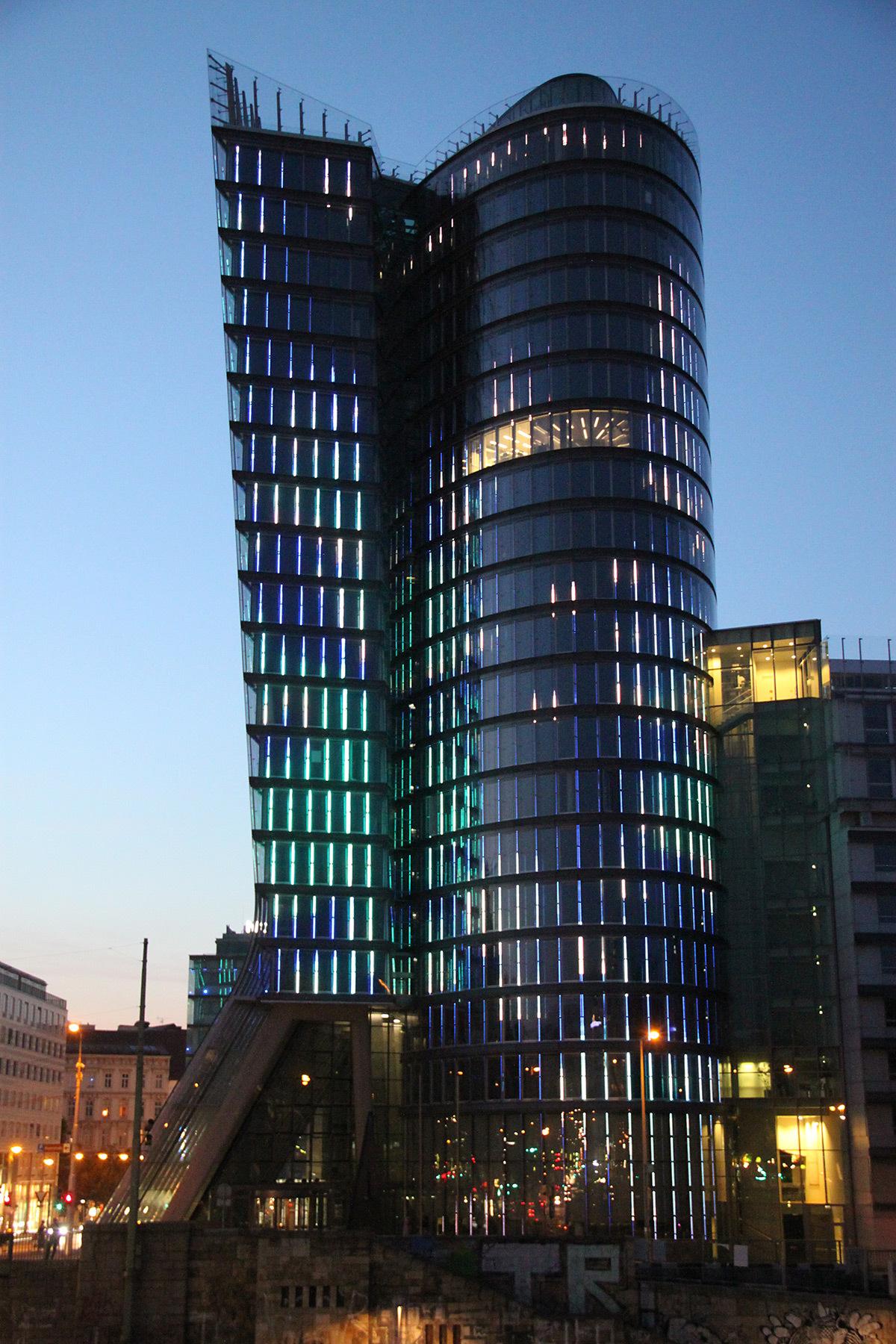 uniqa tower vienne autriche light zoom lumi re le portail de la lumi re et de l 39 clairage. Black Bedroom Furniture Sets. Home Design Ideas
