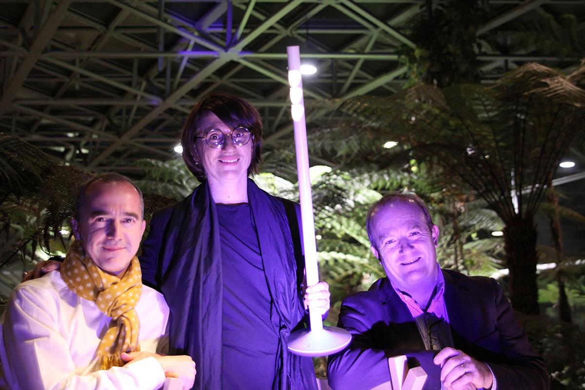 """Christophe Vedel, Anne Bureau, Gilles Charrier - Coup de coeur de la conception lumiere intérieure ACE 2016 - troph""""e ERCO - Photo ACE"""