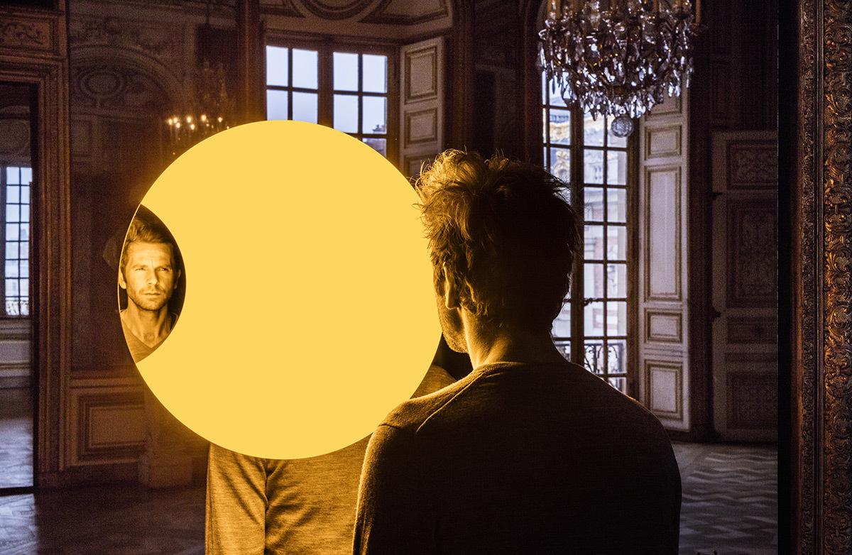 Olafur Eliasson, Deep mirror yellow, 2016 - Château de Versailles, France - Photo : Anders Sune Berg