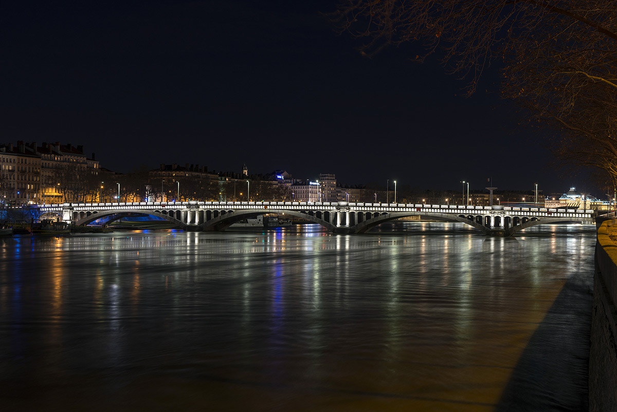 Pont Wilson, Lyon - Concepteur lumiere LEA © Michel Djaoui