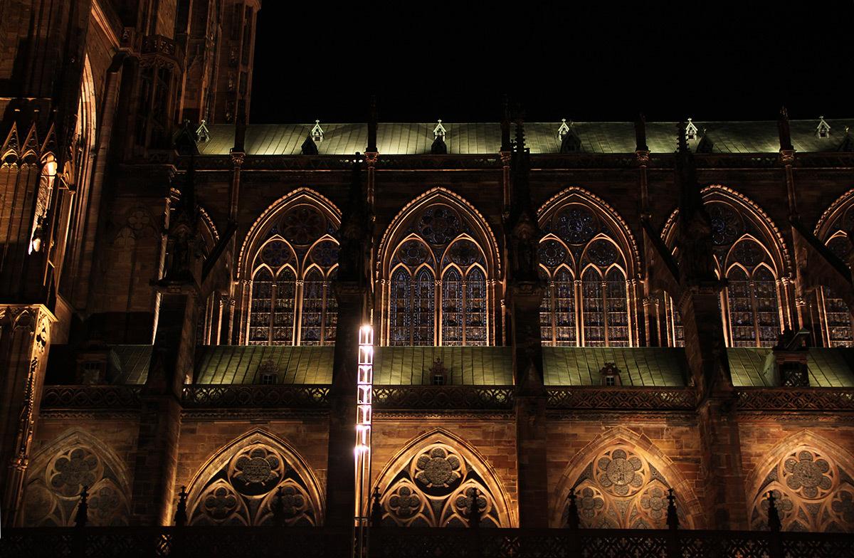 Flan Sud - Cathédrale Notre-Dame, Strasbourg, France - mise en lumière pérenne - Conception lumière : L'Acte Lumière © Vincent Laganier