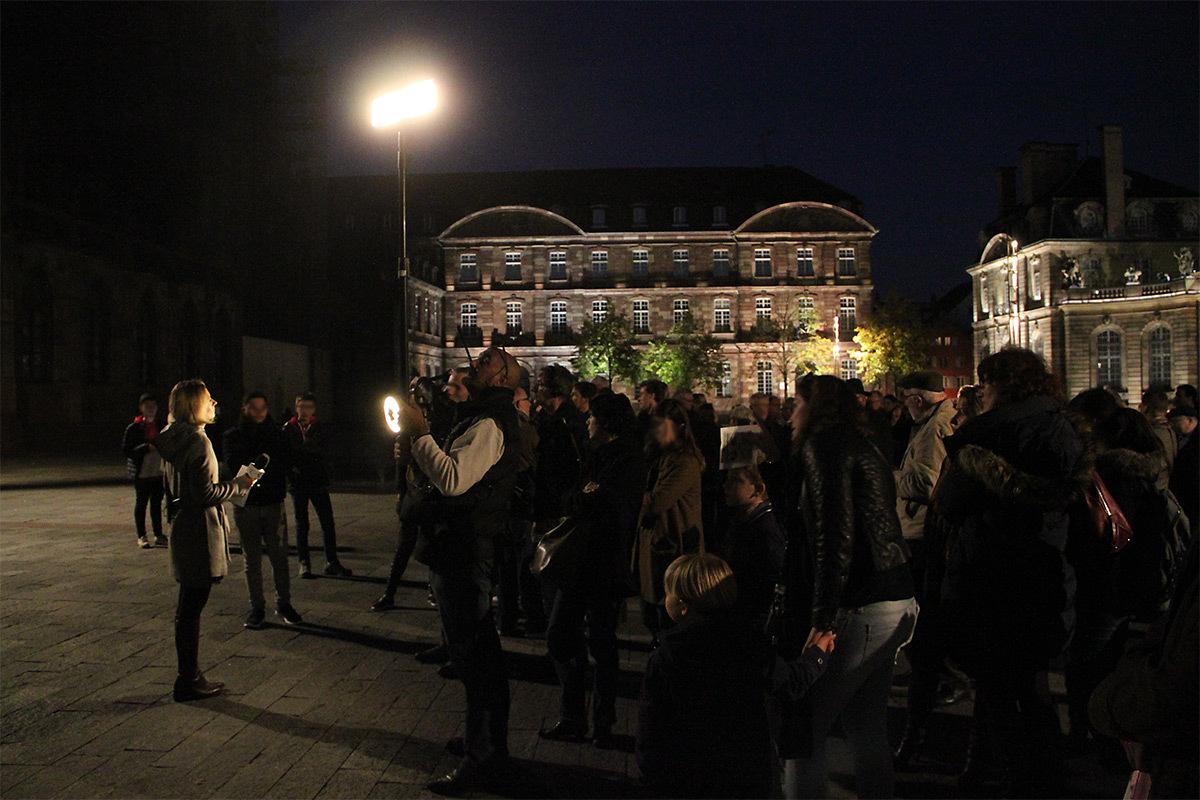 Place du Château, Strasbourg, France - direct de la télévision, France 3, pour l'inauguration mise en lumière pérenne de la cathédrale - Conception lumière L'Acte Lumière © Vincent Laganier