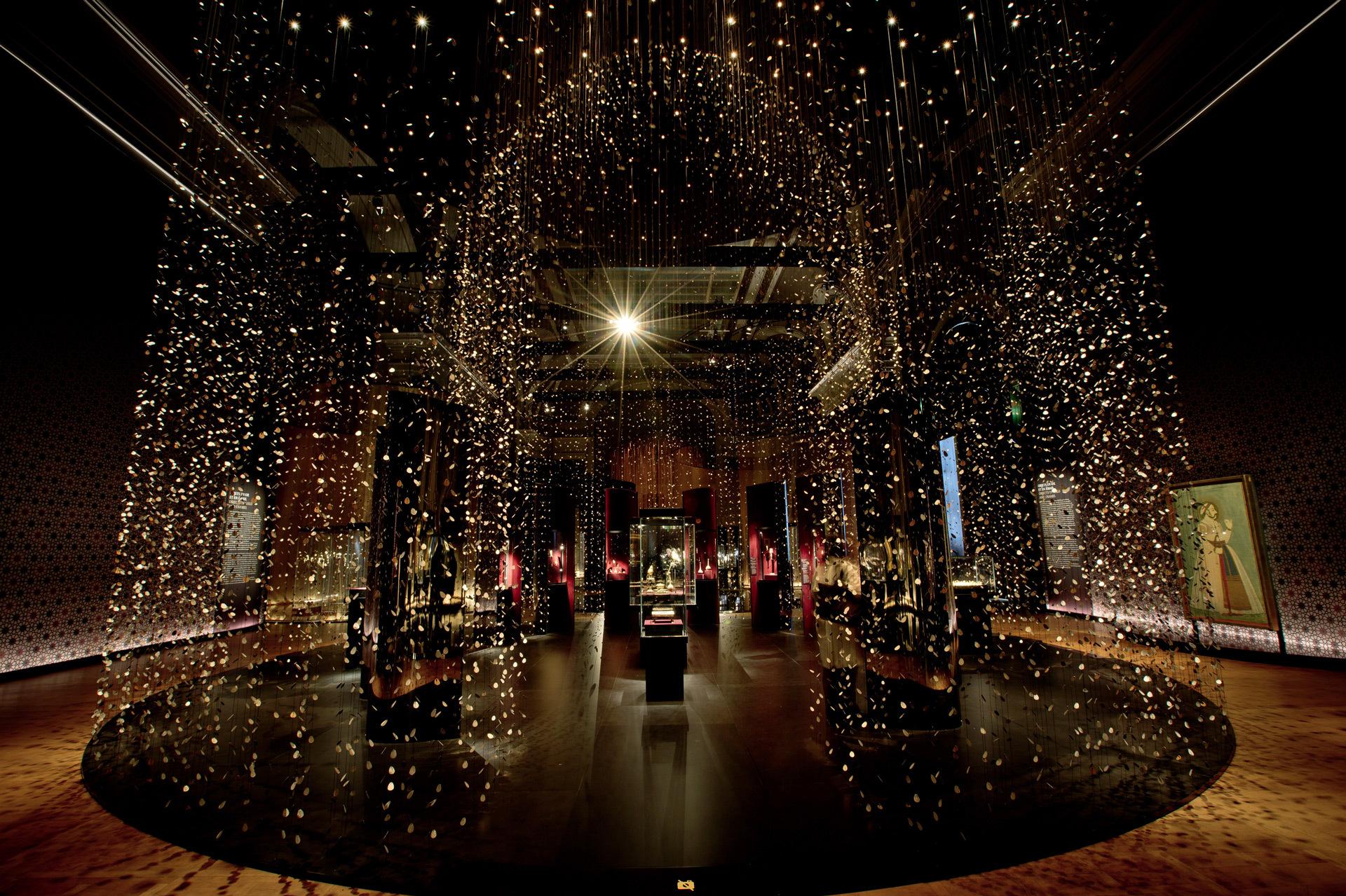 Joyaux de al thani en lumi re par acl au grand palais paris light zoom lumi re le portail - Expo le grand palais ...