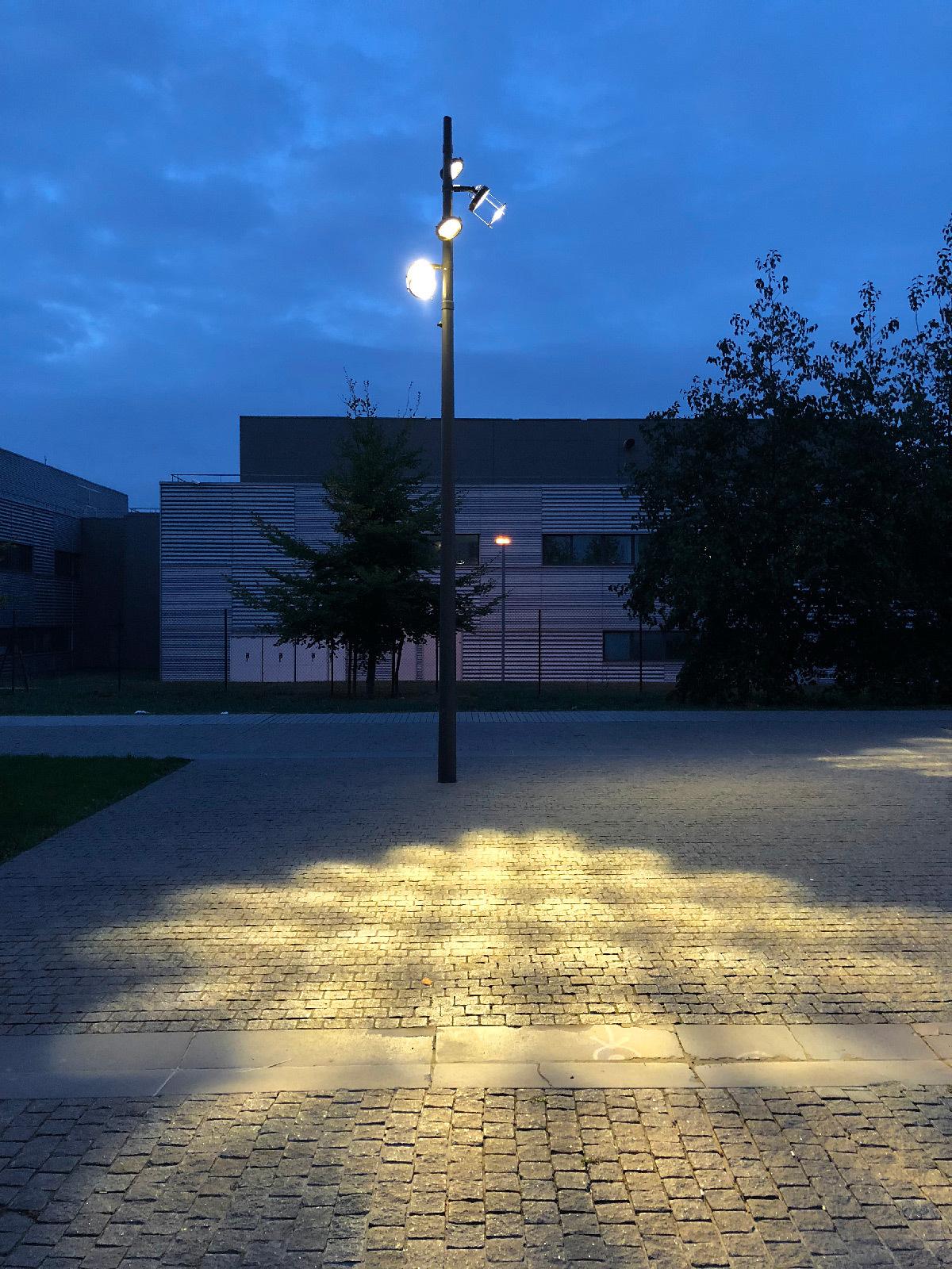 axe central paris saclay quartier polytechnique par concepto light zoom lumi re le portail. Black Bedroom Furniture Sets. Home Design Ideas